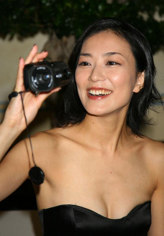 ビデオカメラ板谷由夏さん