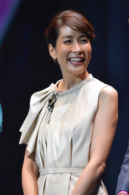 ワンピースを着た内田恭子