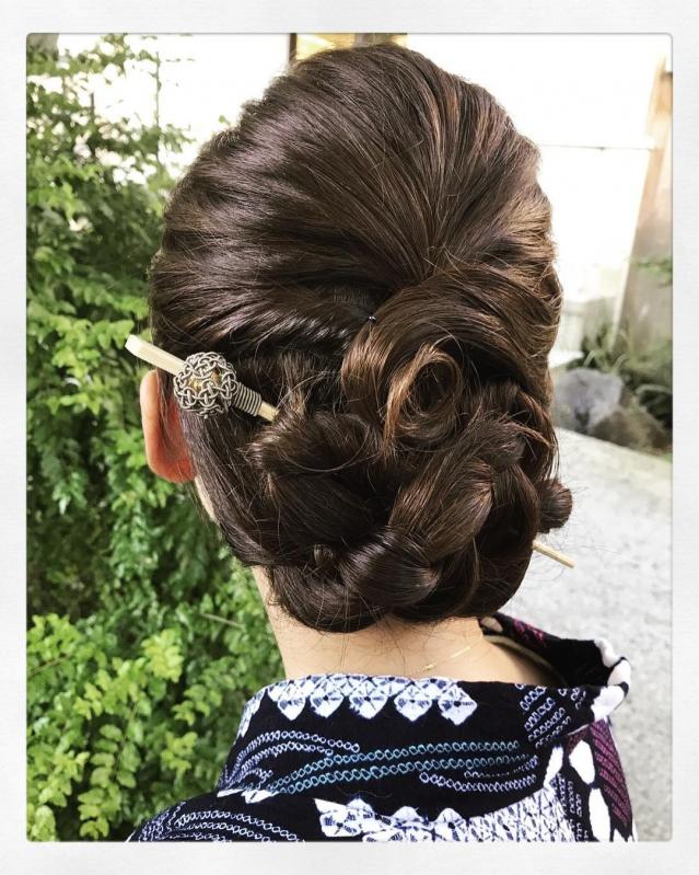 初心者でも簡単 普段着でも使いたいかんざしヘアアレンジテク
