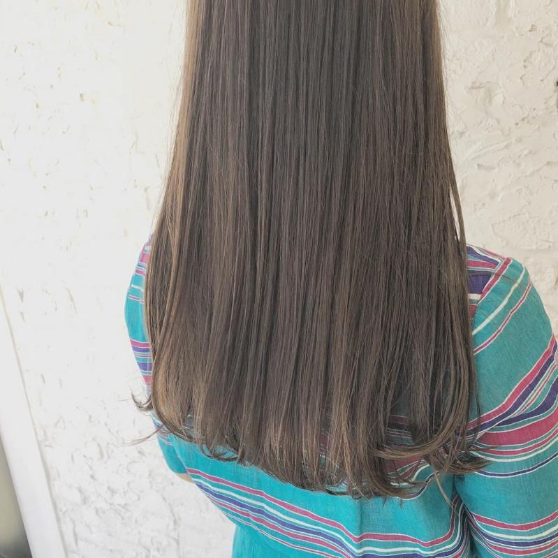 髪型はロングストレートが断然キレイに見える 年代別おすすめヘアは
