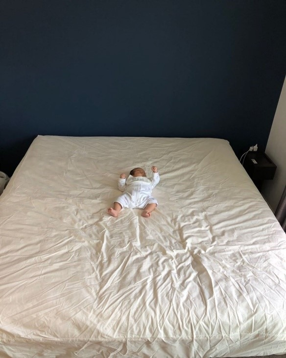 赤ちゃん ベッドから落下