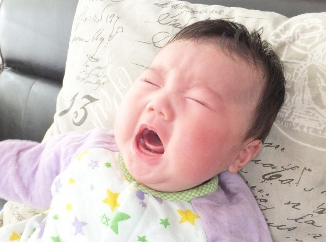 夜泣き 新生児