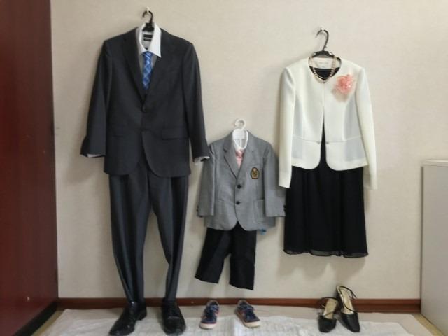 スーツ 入園 式 【先輩ママに聞いた】卒入園・入学式のフォーマル服は、スーツ・セットアップ・ワンピースから選ぶ!