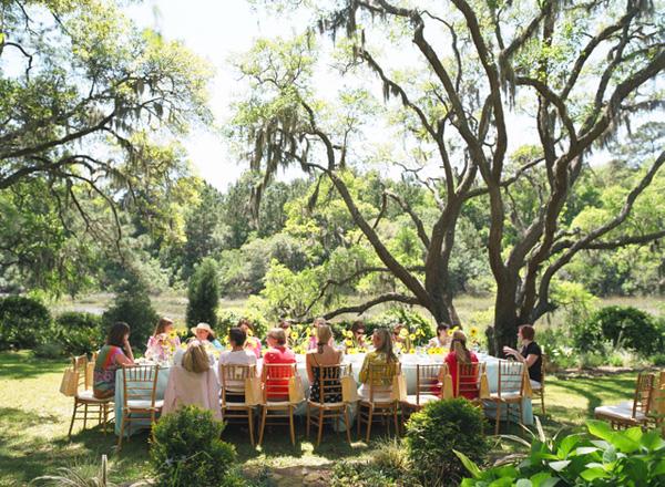 出典:http://www.bumpsmitten.com/2011/04/real-baby-shower-southern-garden.html