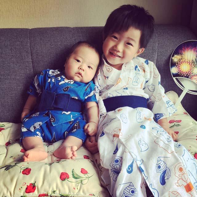 加藤瑛人くん・3歳、葵人くん・3カ月