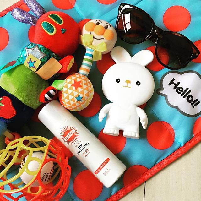 noah_mam110さん 「ドライブの必需品は、日焼け止めとサングラス、おもちゃ。おもちゃを多めに用意すれば娘もご機嫌♪」