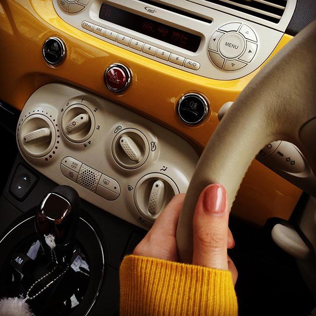 yoshiko.0303さん 「MY500とおそろいの、こっくりした秋色の服を着て、ドライブにお出かけ♪ ニットはザラで買ったもの」